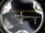 ドッキングの為に接近中のシャトルから見た国際宇宙ステーション